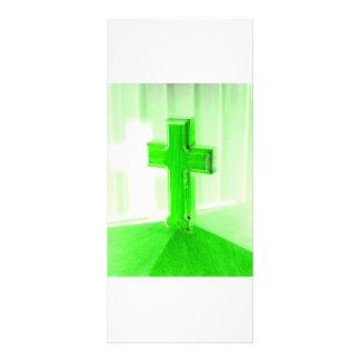 Iglesia cruzada de madera verde de la imagen de la plantillas de lonas