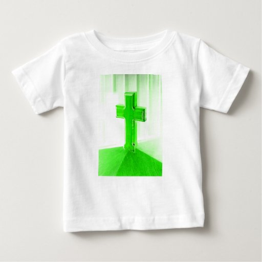 Iglesia cruzada de madera verde de la imagen de la polera
