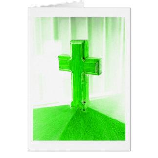 Iglesia cruzada de madera verde de la imagen de la tarjeta de felicitación