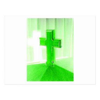Iglesia cruzada de madera verde de la imagen de la tarjetas postales