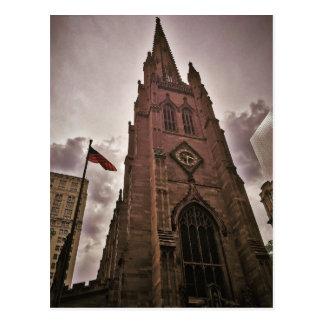 Iglesia de la trinidad elevada tarjeta postal
