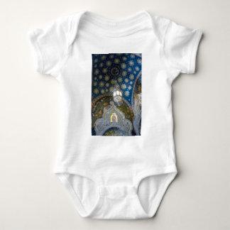 Iglesia de nuestro salvador en la sangre derramada mameluco de bebé