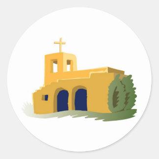 Iglesia del amarillo del estilo de Adobe Pegatina Redonda