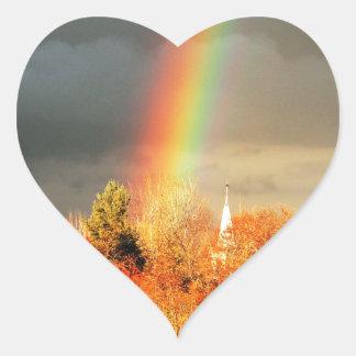 Iglesia del arco iris pegatina de corazón personalizadas