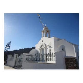 Iglesia del pueblo de la postal de la isla de Tino