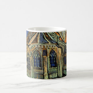 Iglesia en Auvers de Vincent van Gogh Taza Básica Blanca