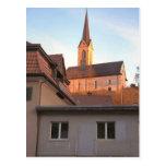 Iglesia en la colina tarjeta postal