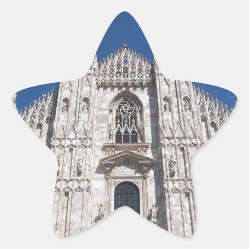 Iglesia gótica Milano Italia de la catedral de Pegatina En Forma De Estrella