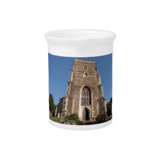 Iglesia histórica en Hastings Inglaterra Jarras Para Bebida
