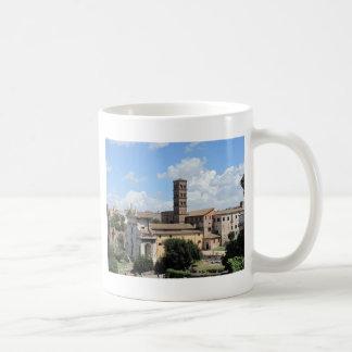 Iglesia romana del foro con el campanario del Roma Tazas De Café