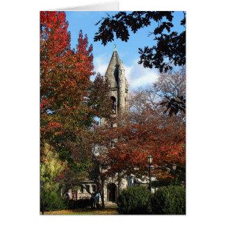Iglesia y arces tarjeta