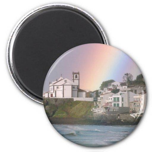 Iglesia y arco iris imán de frigorífico