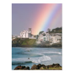 Iglesia y arco iris tarjetas postales