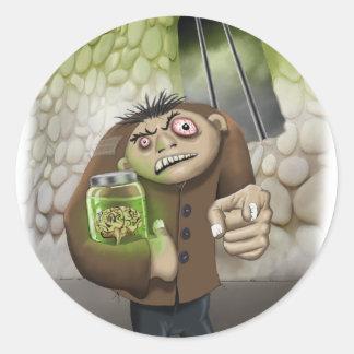 Igor con el pegatina de los cerebros