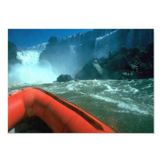 Iguacu baja de debajo, río de Iguacu, el Brasil Invitacion Personal