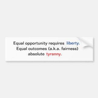 Igualdad de oportunidades contra resultados iguale pegatina para auto