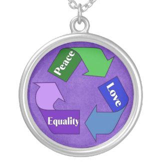 Igualdad del amor de la paz colgante redondo