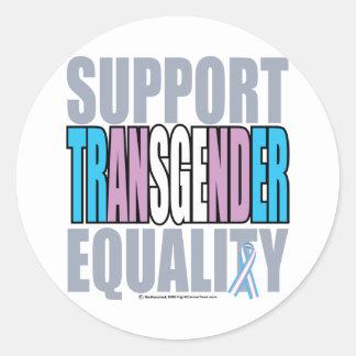 Igualdad del transexual de la ayuda pegatina redonda