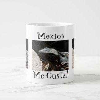 Iguana en las sombras; Recuerdo de México Taza Extra Grande