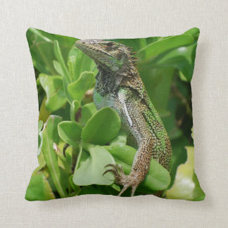 Iguana linda en Bush Cojin