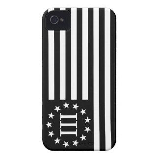 III bandera de Percenter - negro y blanco Case-Mate iPhone 4 Protector
