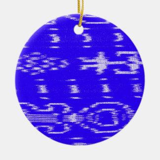 Ikat azul y blanco adorno navideño redondo de cerámica