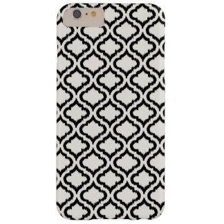 Ikat marroquí blanco y negro elegante del modelo funda de iPhone 6 plus barely there