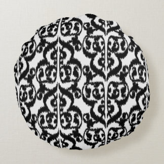 Ikat Moorish Damask - black and white Round Pillow