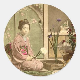 Ikebana - Beautiful Kimono Girls Arranging Flowers Round Stickers