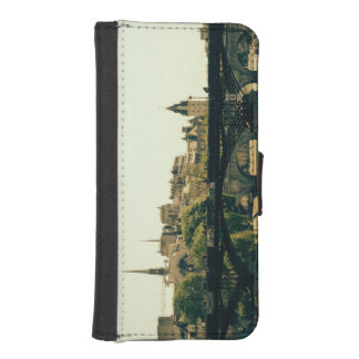 Ile De La Cite, Pont Des Arts in Paris, France iPhone SE/5/5s Wallet