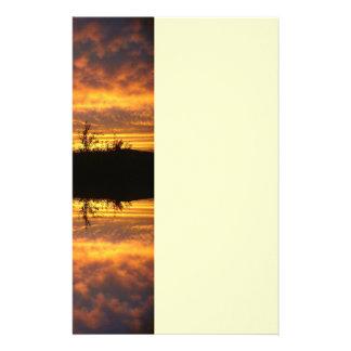 Ilusión de la reflexión papelería de diseño