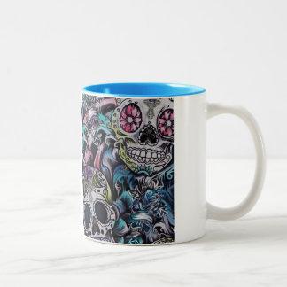 Ilustraciones coloridas de skull dia de los taza de dos tonos