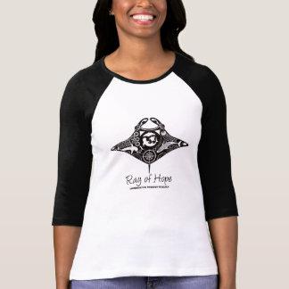Ilustraciones del negro del raglán de las mujeres  camiseta
