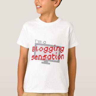 I'm a blogging SENSATION with digital computer scr T-Shirt