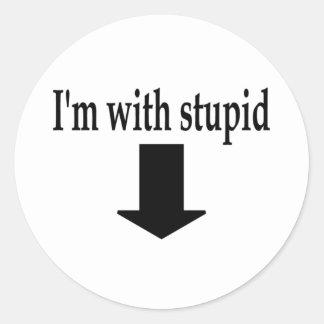 Im con 5 estúpidos etiquetas redondas