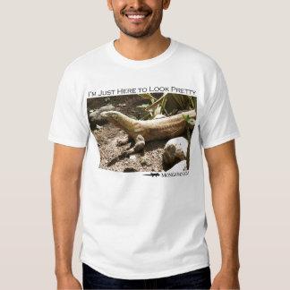 I'm just here to look pretty - komodo dragon T-Shirt