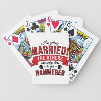 Im que conseguía casó los otros está solamente baraja de cartas bicycle