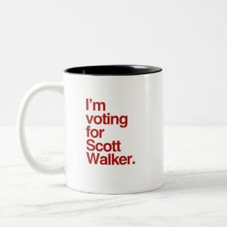I'm voting for Scott Walker 2016 Mugs