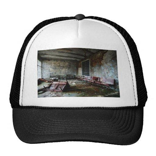 Im Wartesaal des Zerfalls Trucker Hat