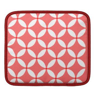imagem formas geometricas  branco em fundo vermelh iPad sleeves