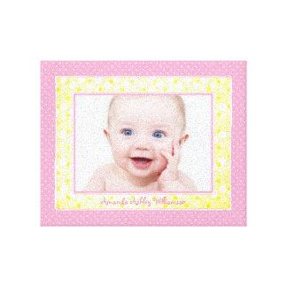 Imagen amarilla rosada de la foto de la niña del l impresiones de lienzo