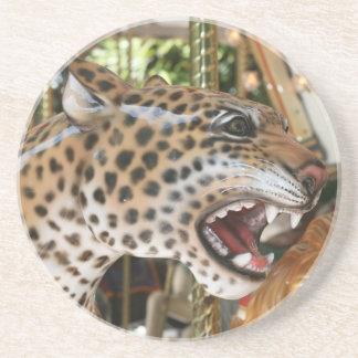 Imagen animal de la cabeza del jaguar del carrusel posavasos cerveza