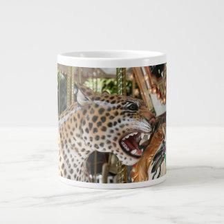 Imagen animal de la cabeza del jaguar del carrusel tazas extra grande