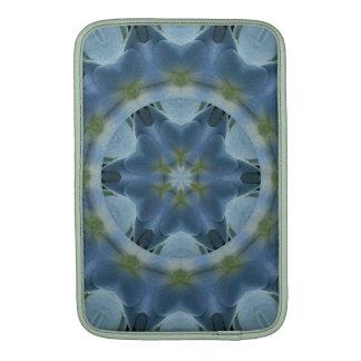 Imagen azul 16 de la mandala del Hydrangea Fundas Para Macbook Air