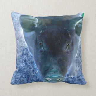imagen azul invertida animal extraño del cerdo cojin