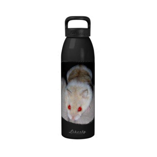 Imagen blanca y rubia del hámster del albino botellas de agua reutilizables