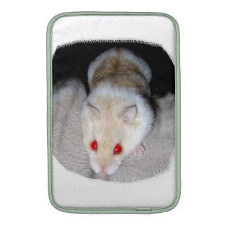 Imagen blanca y rubia del hámster del albino funda macbook air