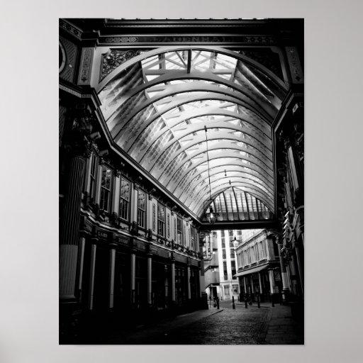 Imagen blanco y negro del mercado Londres de Leade Póster