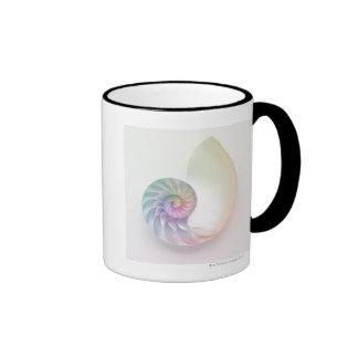 Imagen coloreada artística del nautilus taza de dos colores