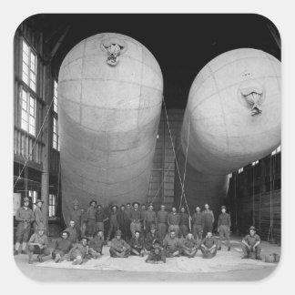 Imagen de Balloons_War de la enfermera de tres Pegatina Cuadrada